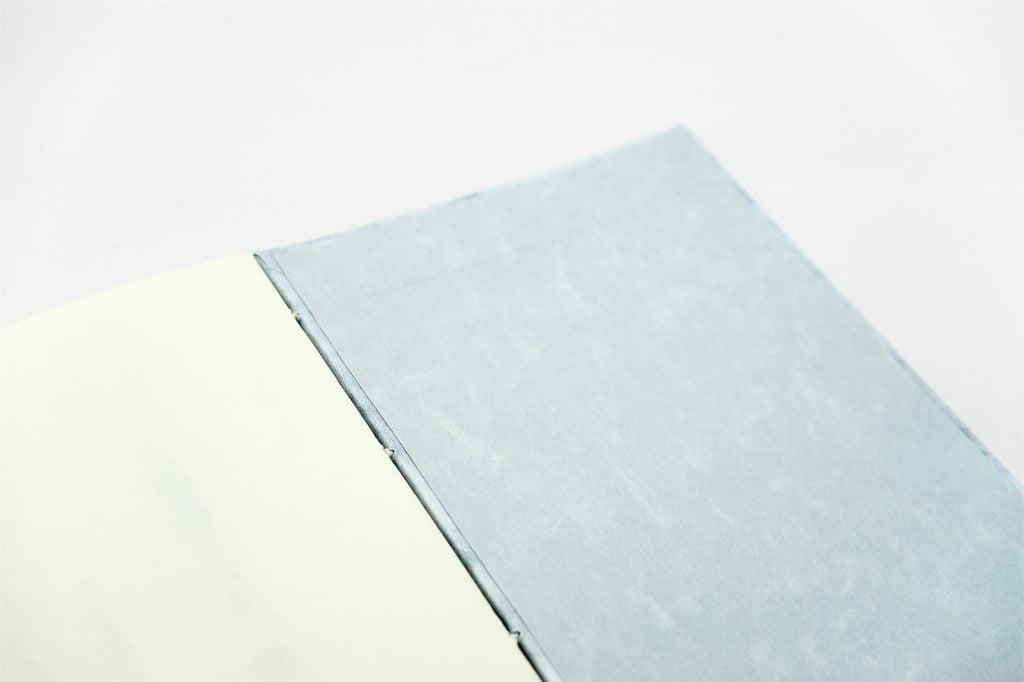 手製本 一文物語365 雲の表紙内側寄り