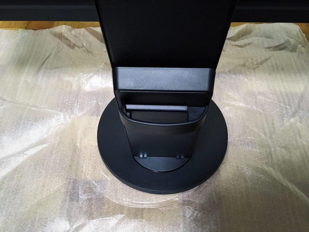 EIZO 液晶モニター FlexScan 23.8 EV2451-RBKの裏側台座部分
