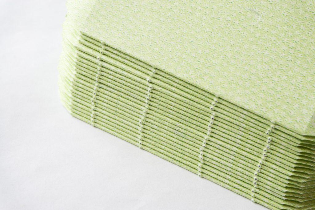 糸かがり手製本はん・ぶんこ 一文物語365 飛の裏表紙