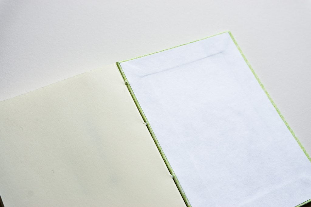 一文物語365 飛 糸かがり手製本はん・ぶんこの表紙内側