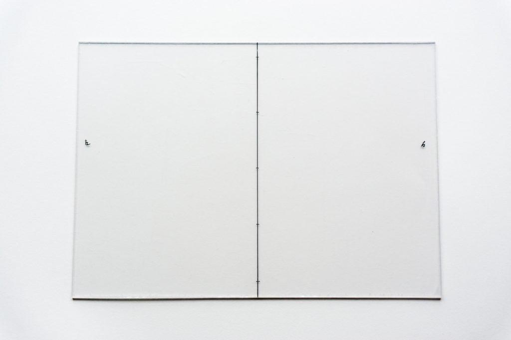 B6版穴あけガイド樹脂板に目印