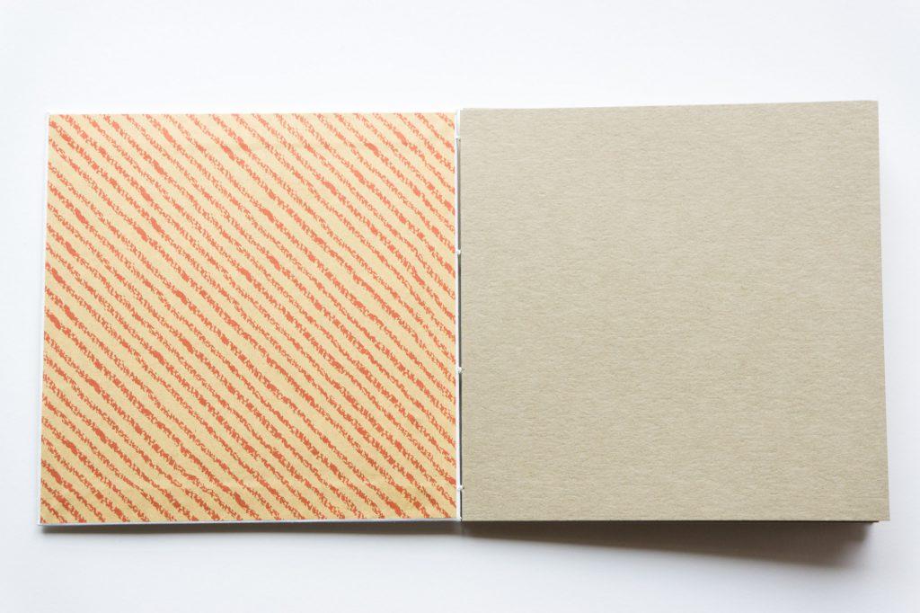 手製本スクラップブックの表紙内側