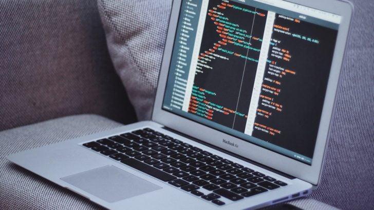 MacbookAirに表示されたコード