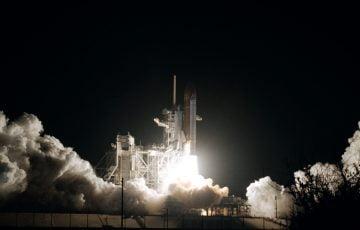 スペースシャトル打ち上げ