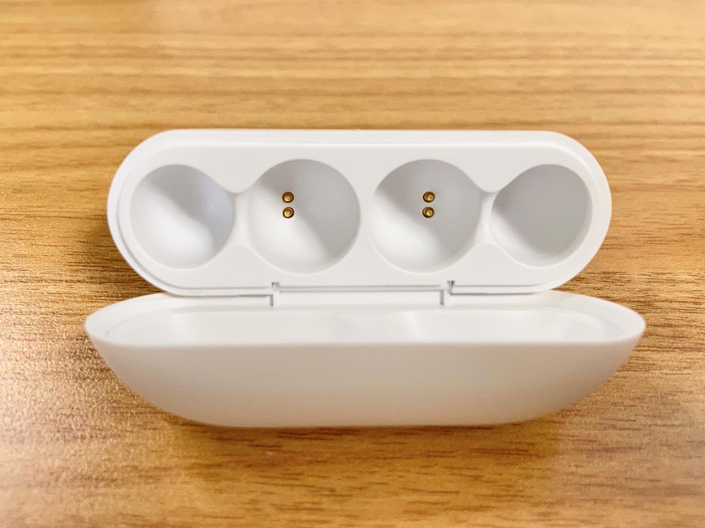 ambieの耳をふさがないワイヤレスイヤホン(AM-TW01)の充電ケース
